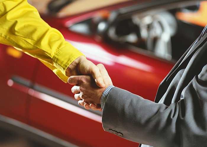 Продал машину, но новый владелец не ставит ее на учет